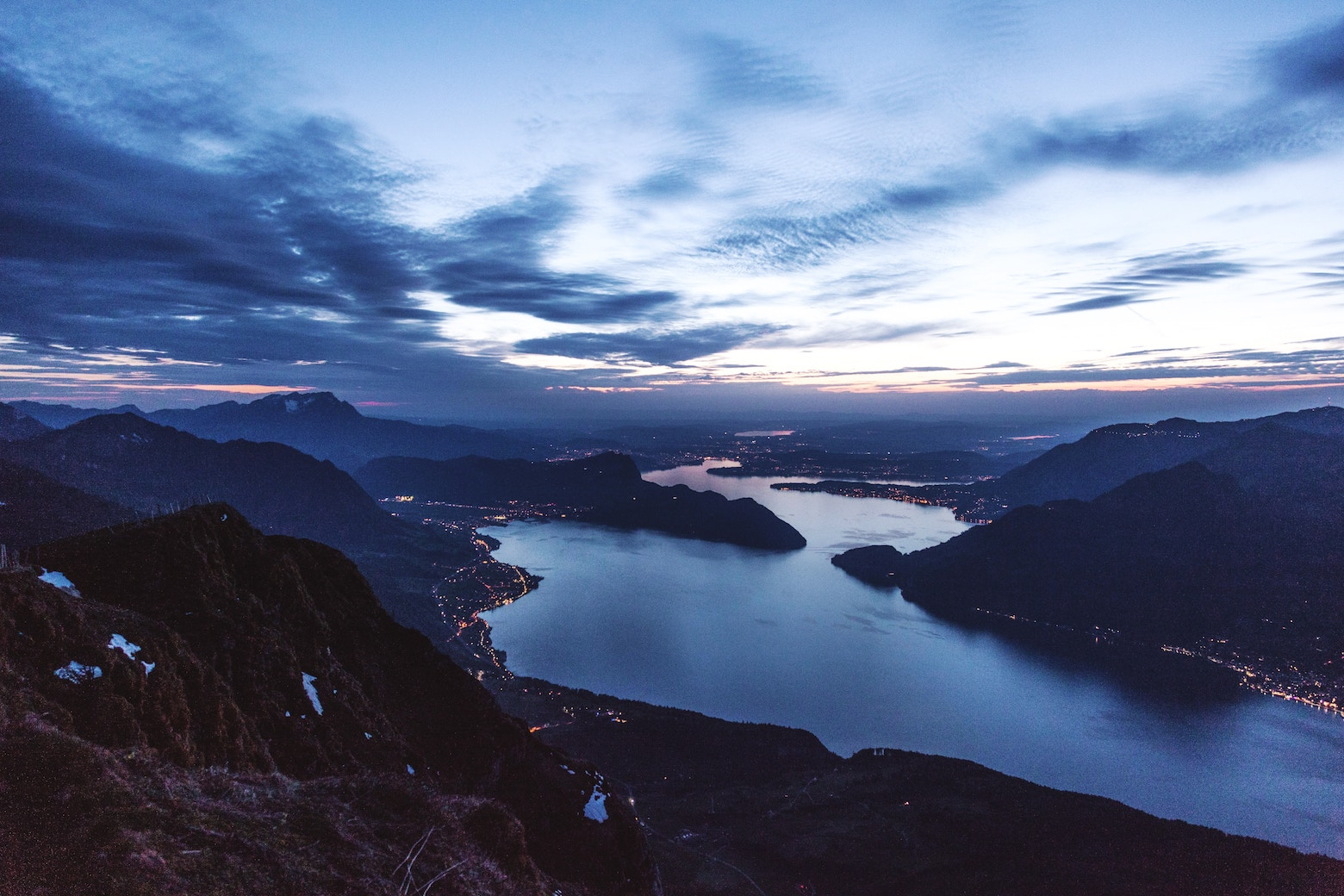 Look over Lake Lucerne by Dino Reichmuth on Unsplash